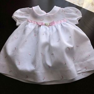 Other - EUC white dress with embroidered flowers